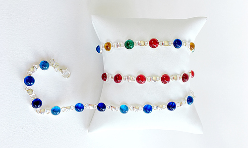 Jewelry : Bracelets with multicolored glass beads and solid silver frame
